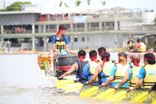 Dragon-boating at PAssion WaVe @ Jurong Lake Gardens